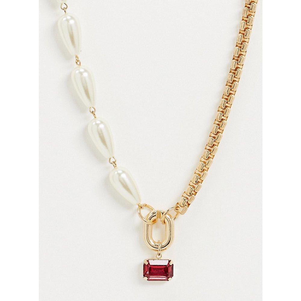 Inspired - Collier avec chaîne et mélange perle avec pierre rose - Reclaimed Vintage - Modalova