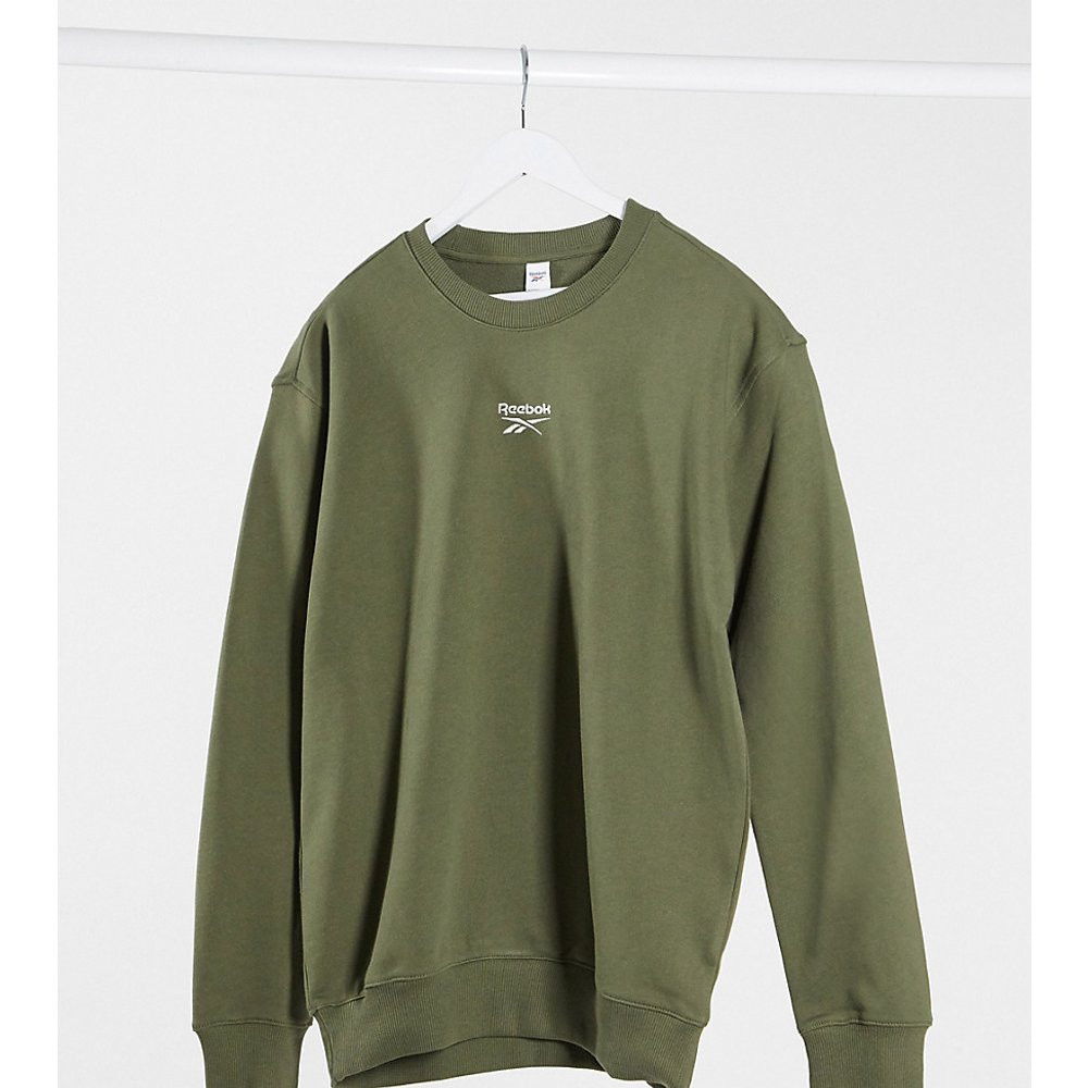 Sweat-shirt coupe masculine avec logo au centre - - Exclusivité ASOS - Reebok - Modalova