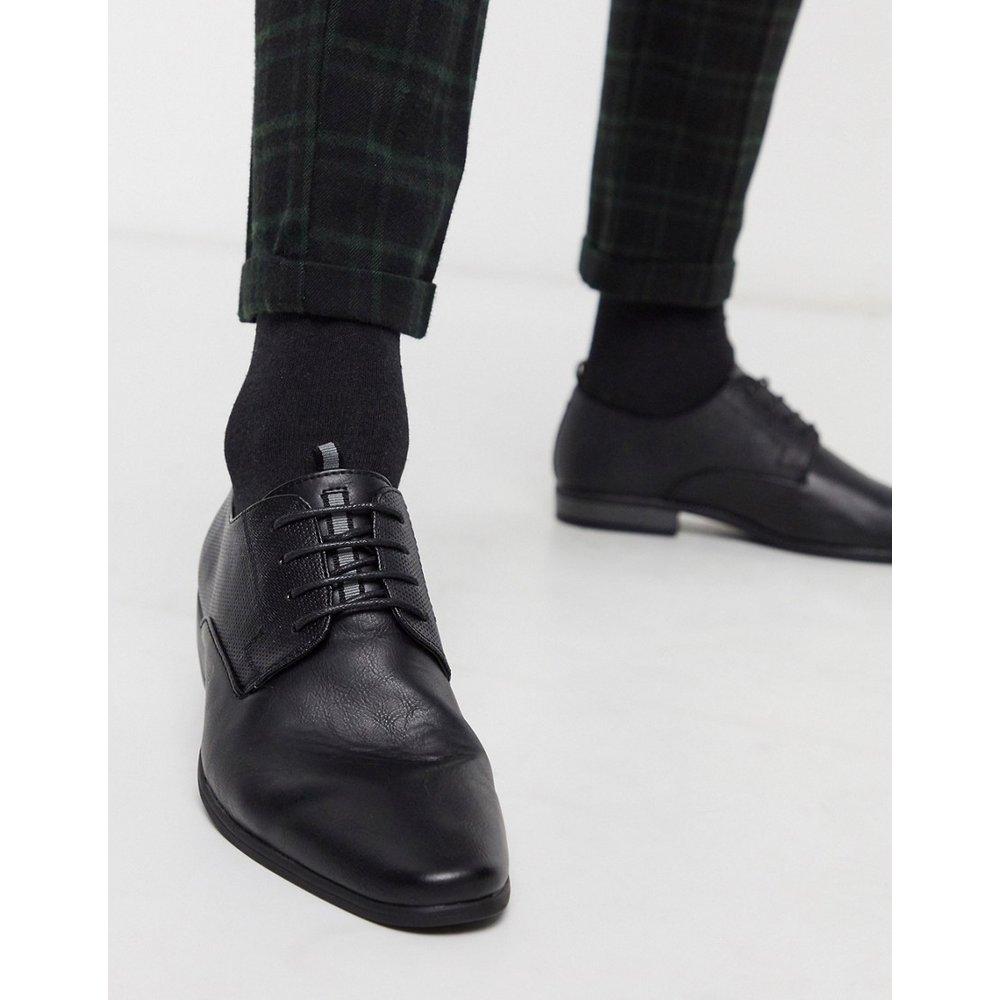 Chaussures derby avec détail en relief - River Island - Modalova