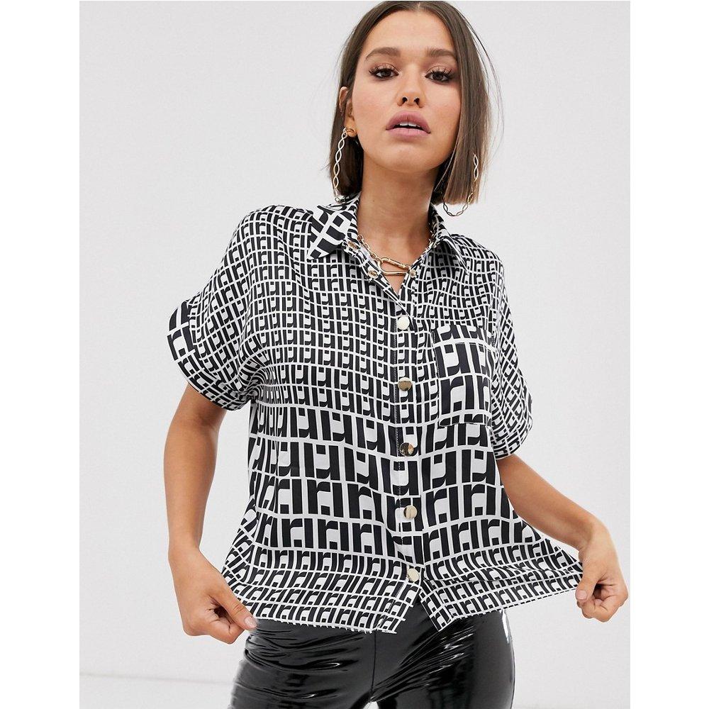 Chemise manches courtes à imprimé monogramme - River Island - Modalova