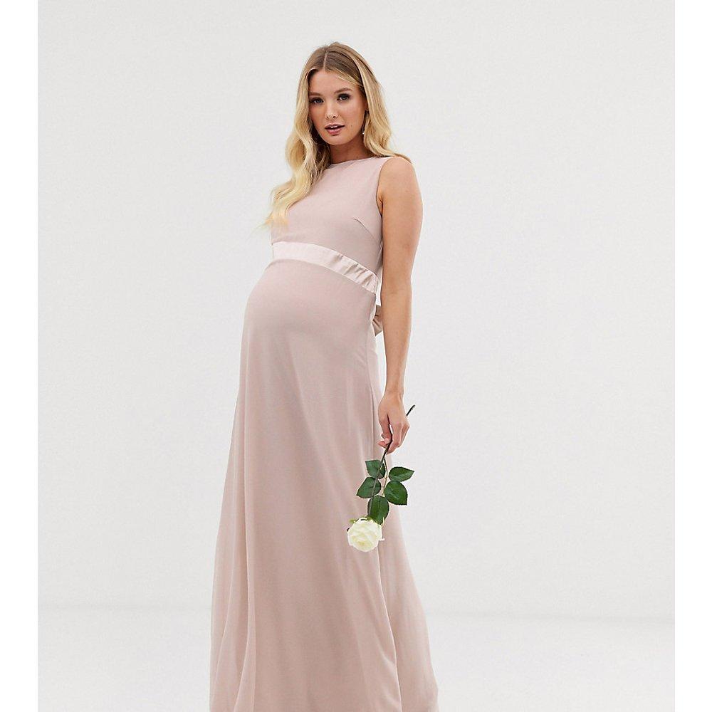 Exclusivité - Robe longue satinée avec nœud en satin au dos pour demoiselle d'honneur - TFNC Maternity - Modalova