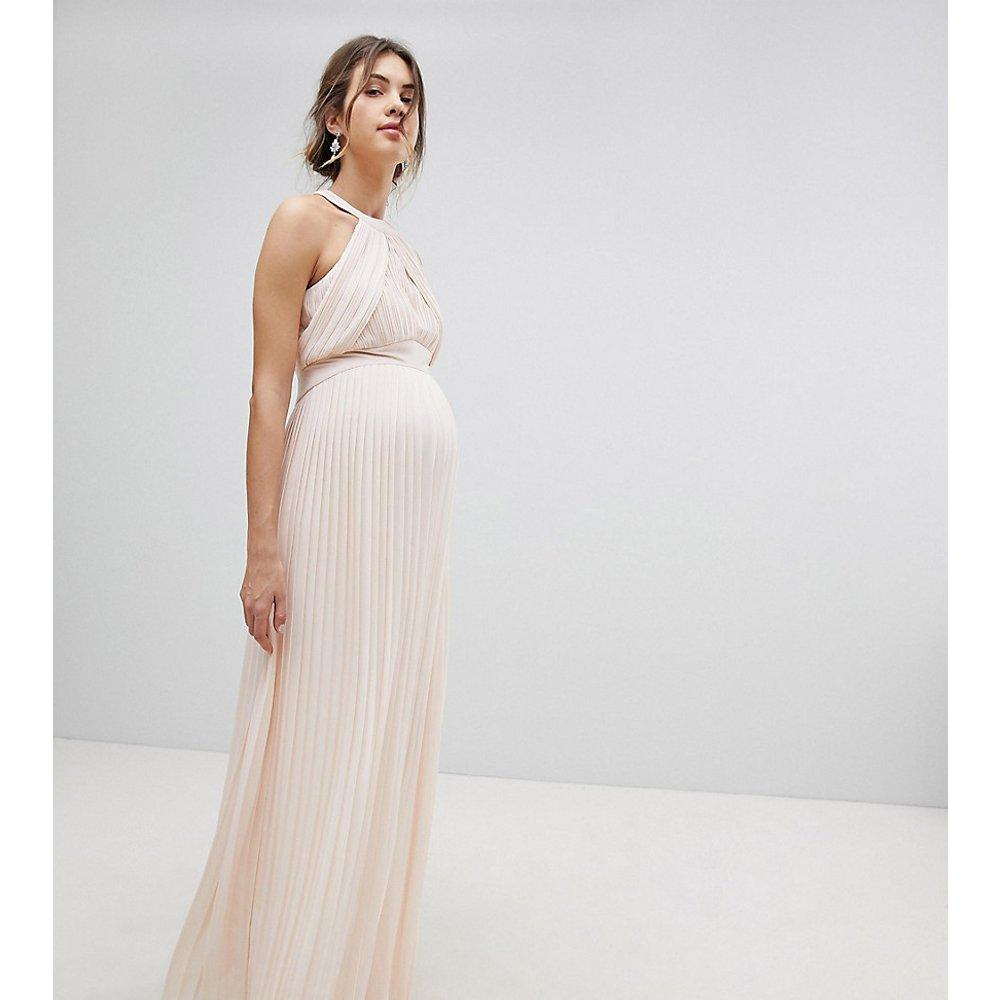Robe longue plissée de demoiselle d'honneur en exclusivité - perle - TFNC Maternity - Modalova