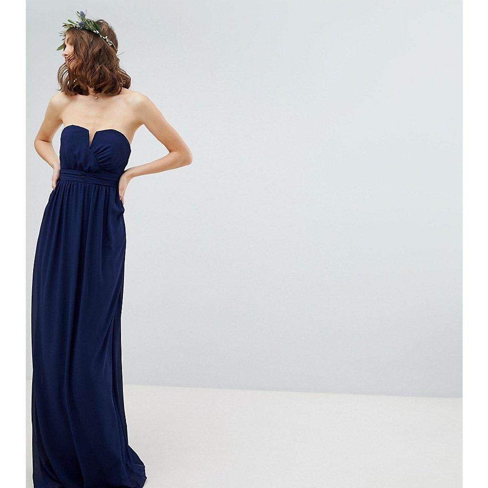 Robe de demoiselle d'honneur coupe longue bandeau - TFNC Tall - Modalova