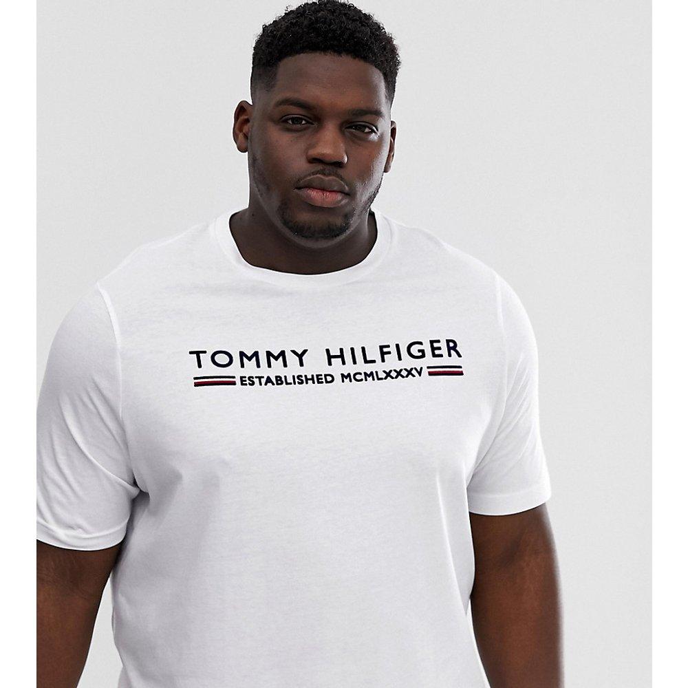 Big & Tall - T-shirt à logo avec rayures floquées - Tommy Hilfiger - Modalova