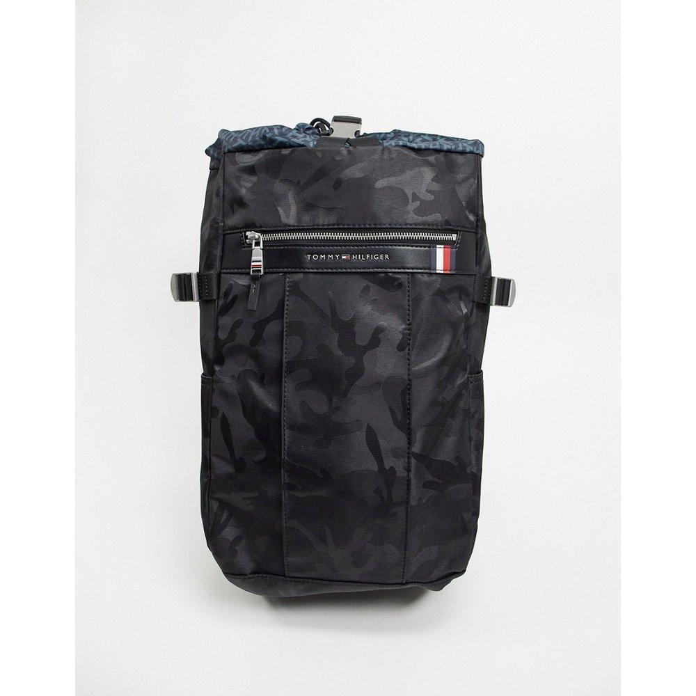 Grand sac à dos en nylon motif camouflage avec lien coulissant - Tommy Hilfiger - Modalova