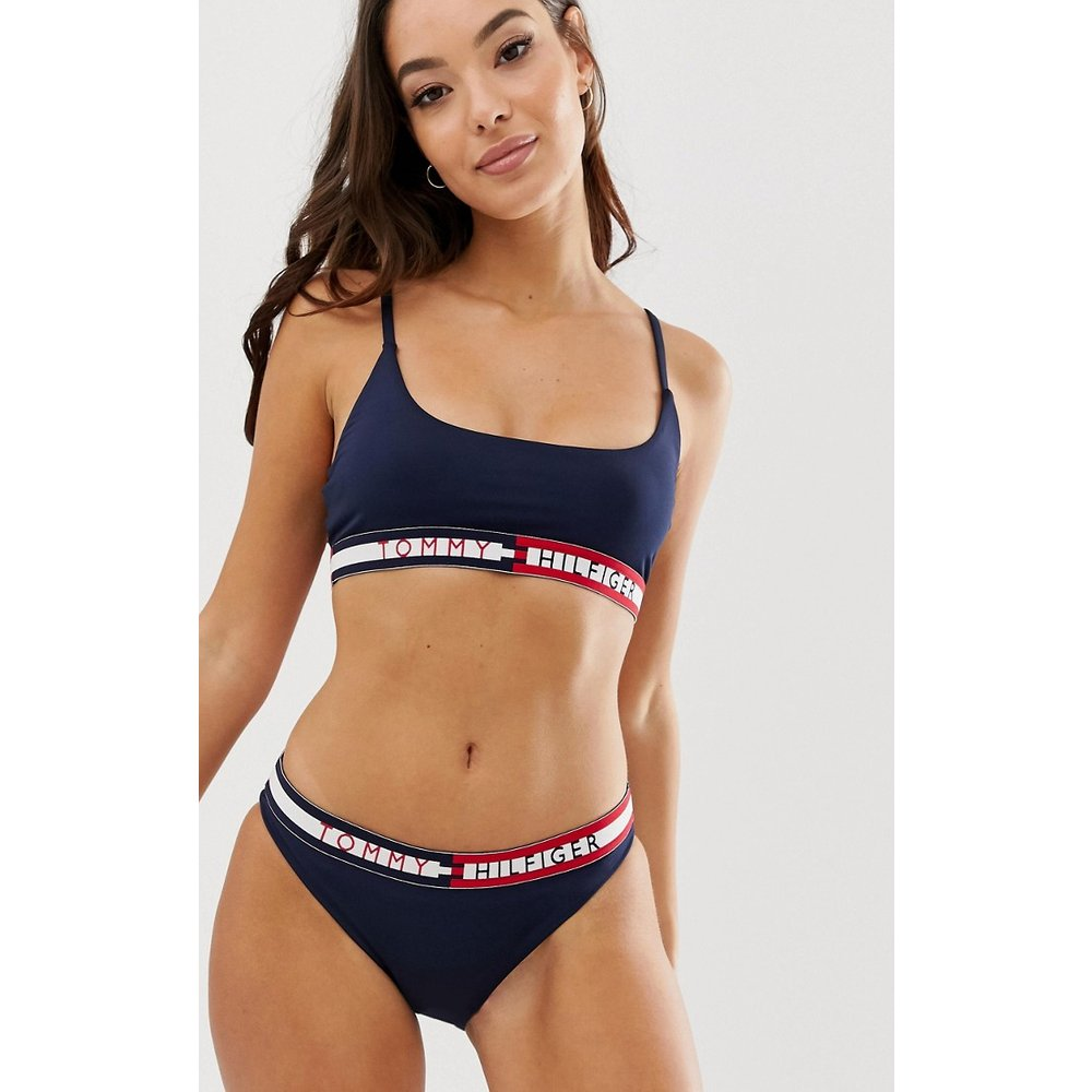 Haut de bikini court avec bande logo contrastante - Bleu marine - Tommy Hilfiger - Modalova
