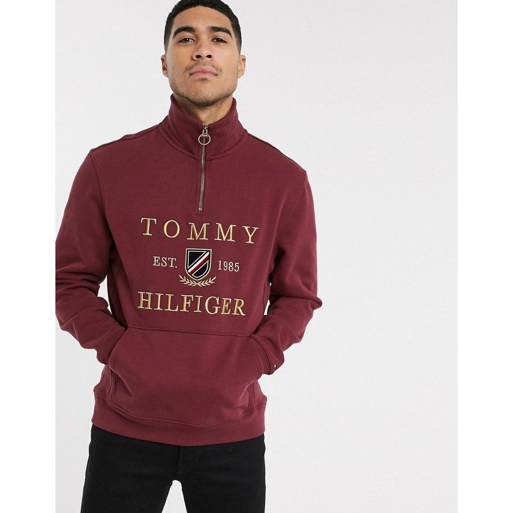 Pull emblématique à encolure zippée - Bordeaux - Tommy Hilfiger - Modalova