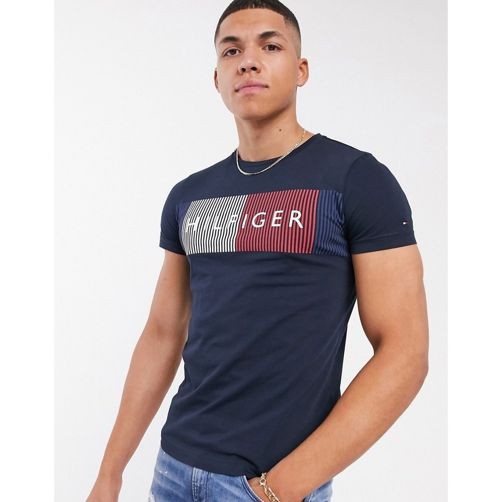 T-shirt avec grand logo drapeau - Bleu marine - Tommy Hilfiger - Modalova