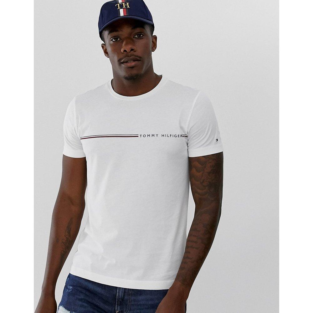 T-shirt avec petit logo à rayures sur le devant - Tommy Hilfiger - Modalova
