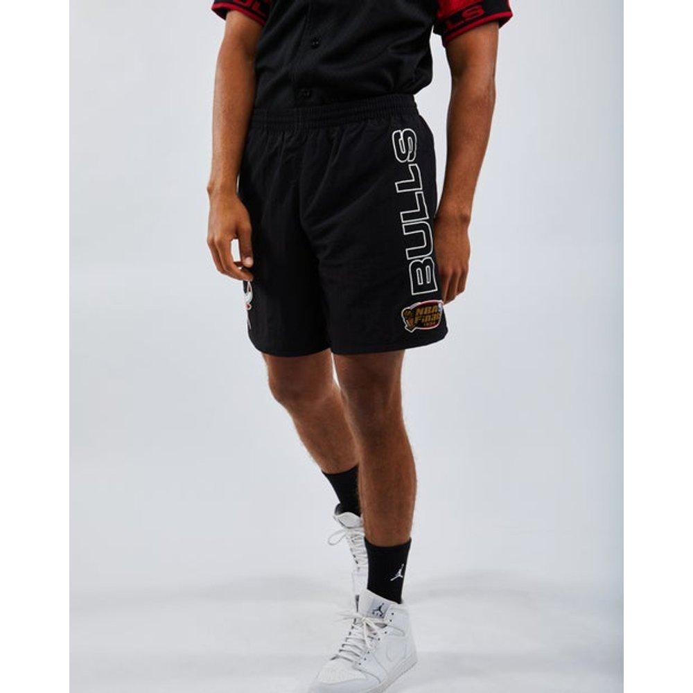 Chicago Bulls - Homme Shorts - Mitchell and Ness - Modalova