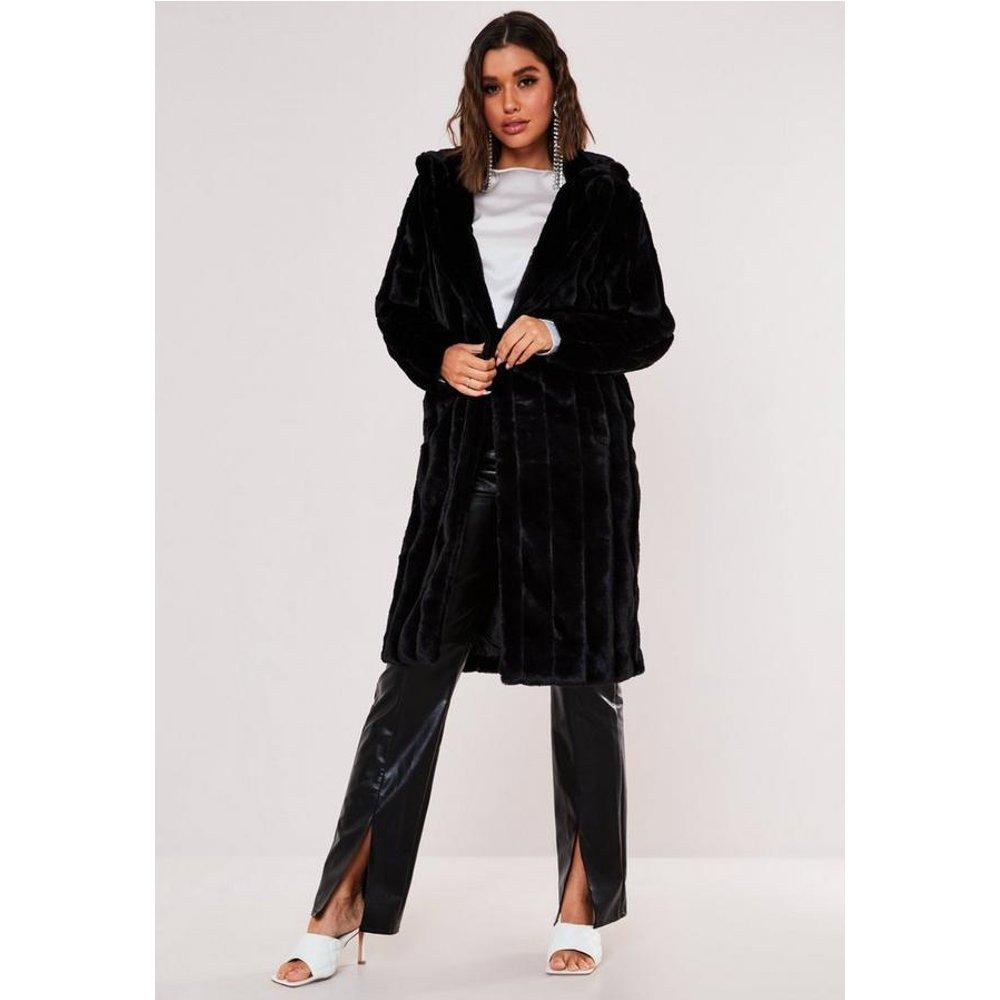 Manteau en fausse fourrure Premium - Missguided - Modalova