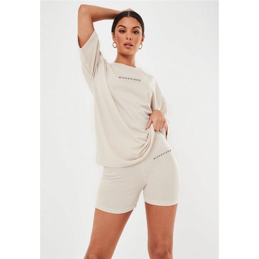 Ensemble oversize t-shirt et short cycliste tall - Missguided - Modalova