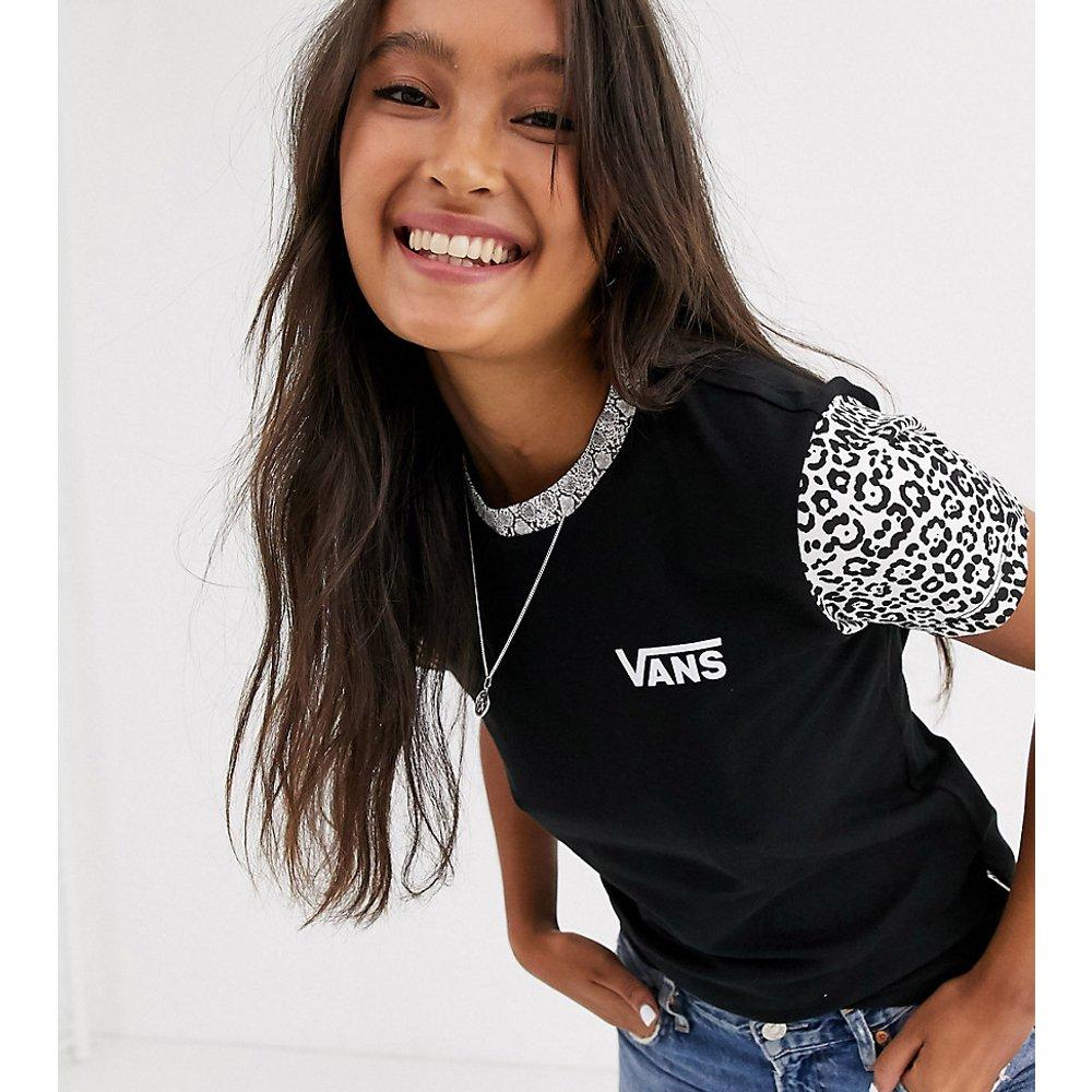 Predator T shirt à imprimé animal Exclusivité ASOS