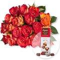 18 gelb-orangefarbene Fairtrade-Rosen und Pralinen-Herzen