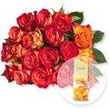 18 gelb-orangefarbene Fairtrade-Rosen verschicken und Fruchtgummi Blütenzauber