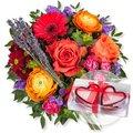 Farbenfreude und Herzkerzen in Geschenkpackung