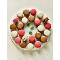 24 Classic Macaroons