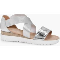 Elastic Strap Cleated Sandal - silver