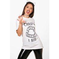 Fangs Printed Halloween T-Shirt - white