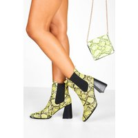 Womens Flare Snake Block Heel Chelsea Boots - green - 6, Green