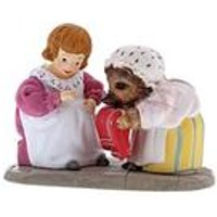Beatrix Potter Mrs Tiggy-Winkle and Lucie Figurine