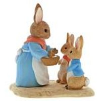 Beatrix Potter Mrs Rabbit, Flopsy and Peter Figurine