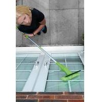 2-In-1 Long Handled Window Cleaner