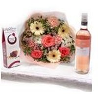 Personalised Amori Peach Bouquet With Wine and Chocolates
