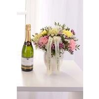 Personalised Pearl Arrangement and Sparkling Wine