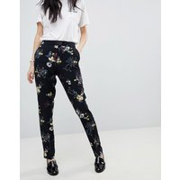 Pantalones con estampado de florecitas de Soaked In Luxury