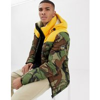 Superdry Expedition hooded puffer jacket in camo print - Green