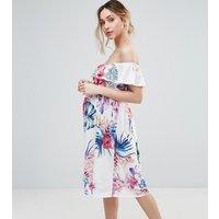 Vestido con escote Bardot y estampado tropical de Bluebelle Maternity