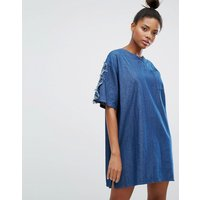 ZiztarZiztar Denim Dress With Floral Applique Sleeves - Denim blue