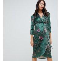 Hope & Ivy Maternity long sleeve wrap front velvet midi dress in bird print - Green print