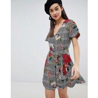 Brave Soul Button Through Dress In Floral Check Print - Black / White