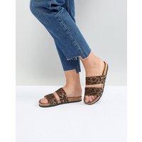 Sandalias con estampado de leopardo FOOLPROOF de ASOS