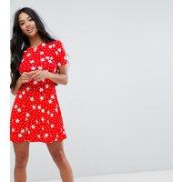 ASOS PetiteASOS PETITE Mini Tea Dress in Star Print - Red