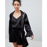 Glamorous Floral Embroidery Kimono - Black