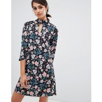 Girls on Film floral shift dress with choker neck detail - Floral print