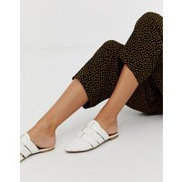 Qupid pointed weave mules - White