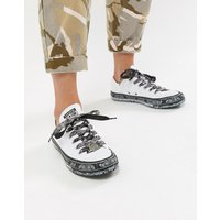 Converse X Miley Cyrus Chuck Taylor All Star Low Trainers In White And Black Bandana Print - White