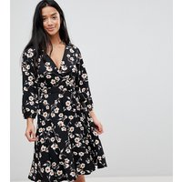 Yumi Petite Wrap Dress in Floral Print - Black