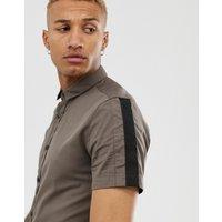 HUGO Empson-W taped short sleeve shirt in khaki - Khaki