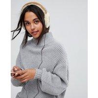 UGG Classic Wired Sheepskin Chestnut Earmuff Headphones - Chestnut