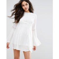 PrettyLittleThingPrettyLittleThing Crochet Lace Insert Swing Dress - White