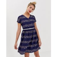 Yumi belted skater dress in graphic stripe print - Blue