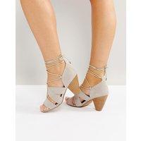 Sandalias de tacón con cordones de ASOS TALL