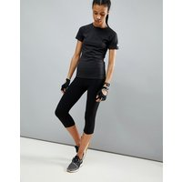 Leggings capri deportivos de tiro alto con elastano en negro de ASOS 4505