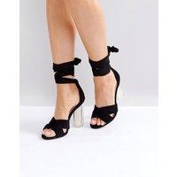 Sandalias de tacón en negro perla de Lost Ink