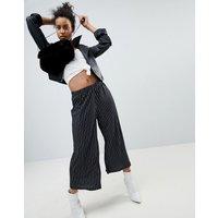 Pantalones culottes de punto de crepé con estampado de rayas de ASOS
